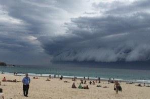 Vague de Nuage sur Sydney