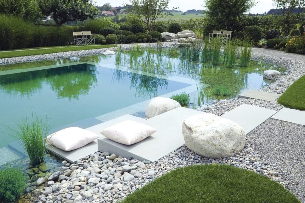 une piscine naturelle pour le jardin. Black Bedroom Furniture Sets. Home Design Ideas